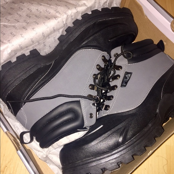 Fila Mens Weathertec Hiking Boot Size 2